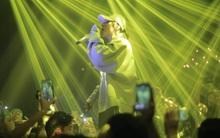 """Clip: Sơn Tùng M-TP chinh phục hơn nghìn fan Hà Nội với """"Lạc Trôi"""" Remix không thể chất hơn!"""