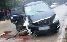 Xe rước dâu nổ lốp tông mạnh vào gốc cây, cô dâu nhập viện cấp cứu