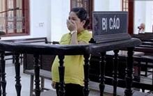 Sát ngày sinh lãnh án 15 năm tù, bà bầu ôm mặt khóc nức nở giữa công đường