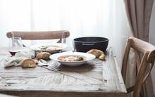 Phụ nữ dù hiện đại đến đâu cũng không thể quên mình phải nấu được một bữa cơm ngon, dọn cái nhà thật sạch