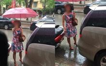 Bị nhắc nhở, nữ tài xế đỗ xe trước cửa nhà người khác còn lớn tiếng văng tục