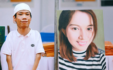 Họa sĩ khuyết tật Lê Minh Châu vẽ chân dung học trò để triển lãm tại gian hàng Sáng kiến Màu cam