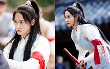 Kì lạ chưa, khi giả trai cổ trang, Yoona sở hữu vẻ đẹp gây sốc!