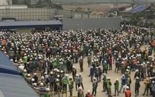 1 người va chạm với bảo vệ, 2.000 công nhân vây kín nhà máy Samsung ở Bắc Ninh