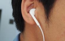 Xài iPhone và chỉ thích đeo 1 tai nghe, bật tính năng này là nhạc hay hơn gấp đôi