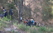 Du khách nước ngoài và hướng dẫn viên người Việt tử nạn tại thác Hang Cọp