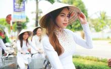 Hồ Ngọc Hà diện áo dài trắng ghi hình show cùng 50 nữ sinh Quảng Bình