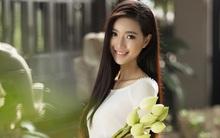 MC Phạm Mỹ Linh diện áo dài trắng, e ấp với hình ảnh thiếu nữ Hà Thành xưa
