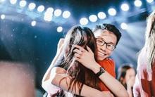 Những cái ôm trong mưa của teen Ams trong đêm hội chia tay đầy cảm xúc