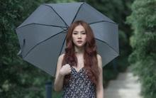 Nhập vai bị người yêu phụ tình, Thu Thủy suýt ngất vì dầm mưa nhiều giờ liền