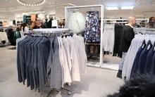 Buổi khai trương sớm store H&M Hà Nội: Đồ mùa đông đẹp, đa dạng với giá rất mềm, áo nỉ 249K, áo len 499K