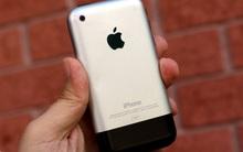 10 năm trước, iPhone lần đầu tiên về Việt Nam với giá nghìn đô nhưng... không dùng được