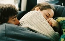 Chờ 13 năm ròng rã để được bạn gái chấp nhận: Đời người có mấy ai dùng cả tuổi trẻ mà yêu thế này?