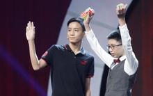 Cậu bé Trung Quốc bịt mắt giải rubik bằng tay, chân chuẩn bị lên sóng truyền hình Việt Nam!