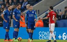 Fan sốc vì Juan Mata thoát thẻ đỏ sau pha vào bóng nguy hiểm