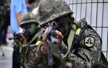 Quân đội Hàn Quốc bị cáo buộc điều tra và xử phạt các binh sĩ đồng tính