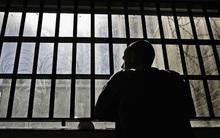 Góc khuất mại dâm đồng tính nam trong nhà tù Mỹ