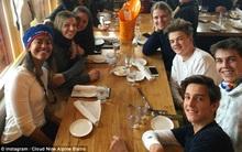 """Malia Obama đi tiệc với nhóm bạn toàn con nhà """"trâm anh thế phiệt"""" tại Mỹ"""