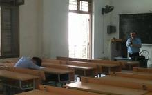 Chuông reo hết giờ, thầy giáo Bách khoa phát hiện sinh viên ngủ mê man và cách giải quyết bá đạo