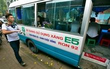 Clip: Di dời quán ăn trên xe khách 29 chỗ ở trung tâm Hà Nội vì ảnh hưởng trật tự ATGT