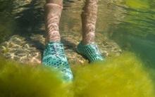 """Đôi giày này sẽ là """"cứu cánh"""" cho vấn nạn ô nhiễm môi trường nước trong tương lai"""