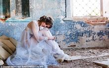 Chụp ảnh gợi cảm trong nhà thờ đổ nát: Người mẫu Nga có thể phải lĩnh án tù 3 năm