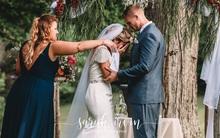 Giọng ông nội đã mất bỗng vang lên trong lễ cưới, cô dâu khóc nức nở