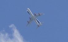 Bức hình gây ám ảnh người xem: Hai chiếc máy bay suýt đâm vào nhau khi chuẩn bị hạ cánh