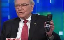 Giàu nhất nhì thế giới nhưng Warren Buffett lại chẳng hề mặn mà với iPhone và đây là lý do tại sao