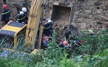 Vụ sạt lở 18 người bị vùi lấp ở Hòa Bình: Mưa lớn khiến công tác tìm kiếm nạn nhân gặp nhiều khó khăn