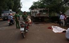 Xe máy tông đuôi xe tải đang đậu bên đường, tài xế chết thảm