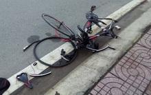 TP.HCM: Người đàn ông đạp xe đi tập thể dục bị ôtô húc văng 30m tử vong