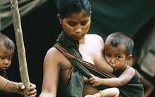 """Bức ảnh mẹ Việt cho con bú là cảm hứng cho """"bài hát dành tặng phụ nữ cả thế giới"""" của nhóm The Beatles"""