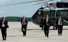 Cận cảnh Đội mật vụ bảo vệ Tổng thống Mỹ Donald Trump