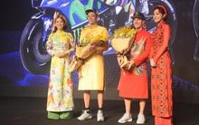 Huyền thoại đường đua Valentino Rossi đến Việt Nam, mặc áo dài giao lưu cùng fan