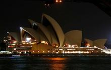 Cầu cảng Sydney tắt đèn nhân 10 năm Giờ Trái Đất