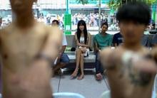 Người chuyển giới Thái Lan khốn khổ vì những đợt khám nghĩa vụ quân sự