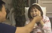 Thanh niên Hà Nội liên tục đập nhiều cọc tiền 500k lên bàn để dỗ vợ ăn hết... 1 bát cơm