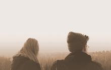 Nếu một ngày bạn thấy người ta im lặng, thì đó là dấu hiệu báo trước kết thúc của tình yêu