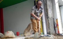 Sợ phó chủ tịch quận, dân Sài Gòn tự tháo dỡ bậc thềm