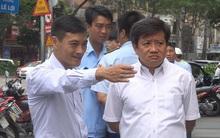 Quận 1 dỡ mái hiên, xử phạt tòa nhà Saigon Centre 58 triệu đồng phí cưỡng chế