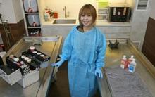 Chăm sóc người chết: Công việc không mấy ai dám làm của 9X Singapore