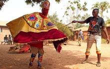 """Bí ẩn """"hồn ma sống"""" vùng Benin"""