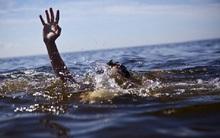 Nhảy xuống sông cứu em, học sinh lớp 7 chết đuối thương tâm