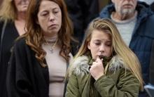 Sau 1 năm sống trong giày vò, cô bé 13 tuổi lấy hết dũng khí ra tòa tố cáo kẻ giết bố và em gái