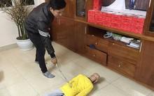 Lời khai của người bố cùng mẹ kế đánh đập con trai 10 tuổi rạn sọ não: Do con nghịch ngợm lâu ngày