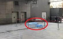 Định đỡ người nhảy lầu từ tầng 11, nhân viên bảo vệ bị nạn nhân rơi trúng tử vong