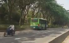 Đình chỉ tài xế và phụ xe điều khiển xe buýt chạy ngược chiều trên đường phố Sài Gòn