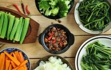 Chuyên gia tư vấn: Ăn rau trước khi ăn thịt và cơm - tưởng đùa hóa ra lợi đủ đường