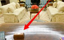 Công dụng của chiếc nút đỏ trên bàn làm việc của Tổng thống Donald Trump